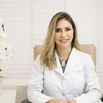 Dra. Carla Corrêa Martins