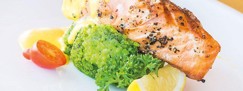 Alimentos que diminuem espinhas: o papel da nutrição no combate à acne