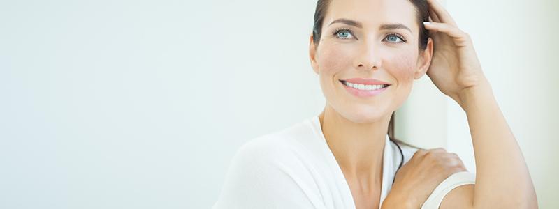 Como tratar manchas no rosto